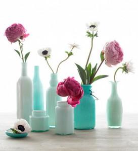 Barattoli e bottiglie portafiori decorati